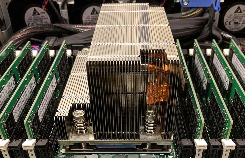 Dell AMD EPYC 7551P